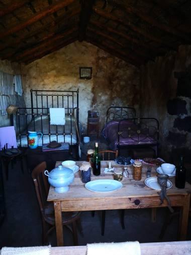 1700-tallet spiseplass inne.