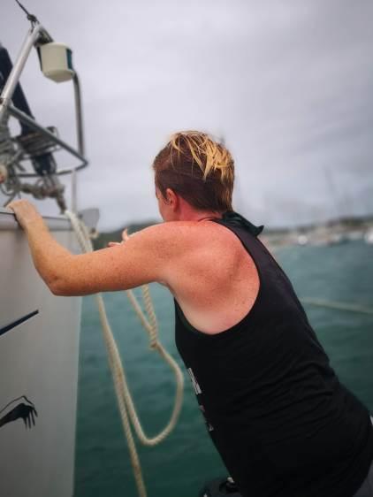 Snur fortøyning på en båt på anker